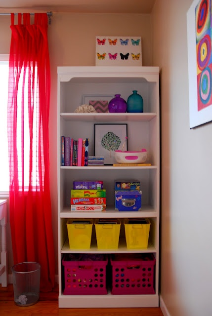 11 year old girl 39 s bedroom i like the book case with baskets for storage alana pinterest - Years old girl bedroom ...
