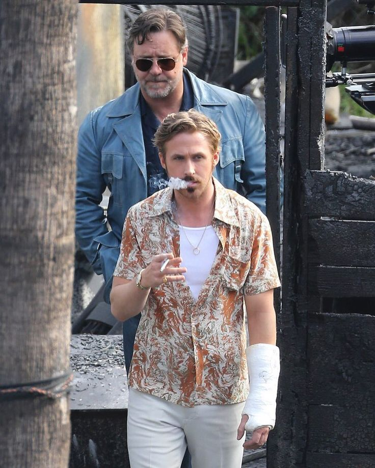 Russel Crowe & Ryan Gosling for The Nice Guys Check out @somethingoutstanding for more! @somethingoutstanding @somethingoutstanding by stylebook_