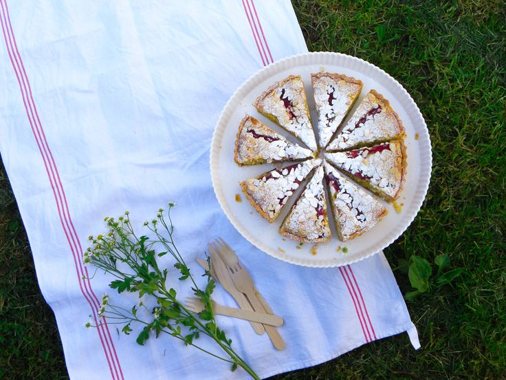 Perfect picnic food ~ Rhubarb, Rose & Strawberry Bakewell Tart