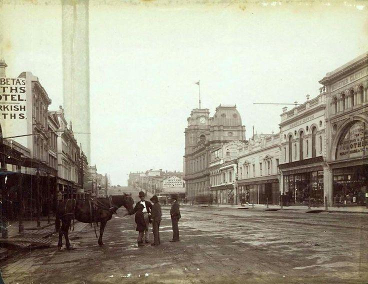 Bourke St,Melbourne in Victoria in 1885.