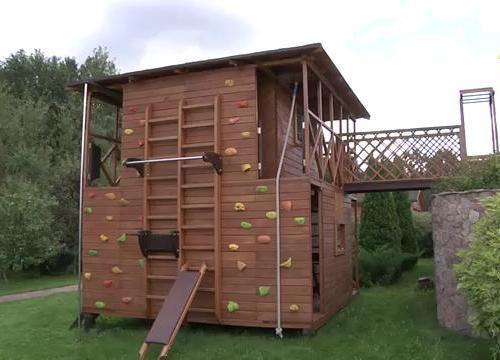 Как сделать детский домик на даче