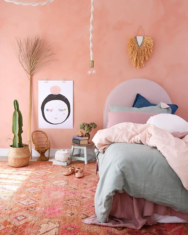 Looking Back Through Old Photos And Boy I Am Already Missing That Beautiful Peach Wall One Of Wall Decor Bedroom Kids Bedroom Wall Decor Kids Bedroom Walls
