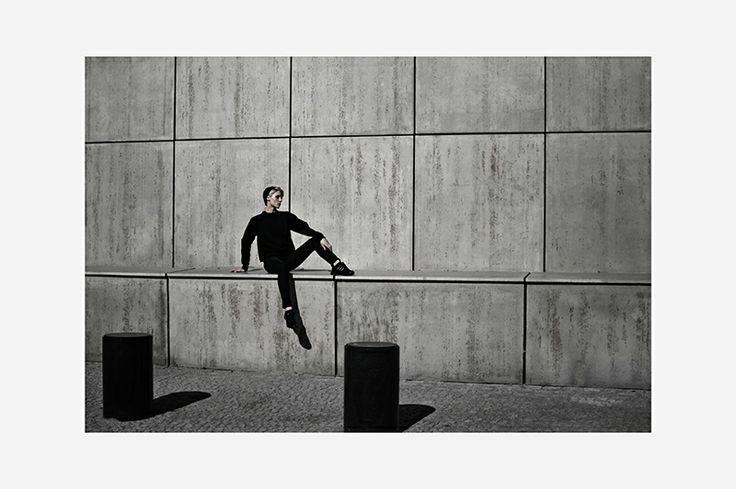 R E B E L L O O K: ninja // rowk
