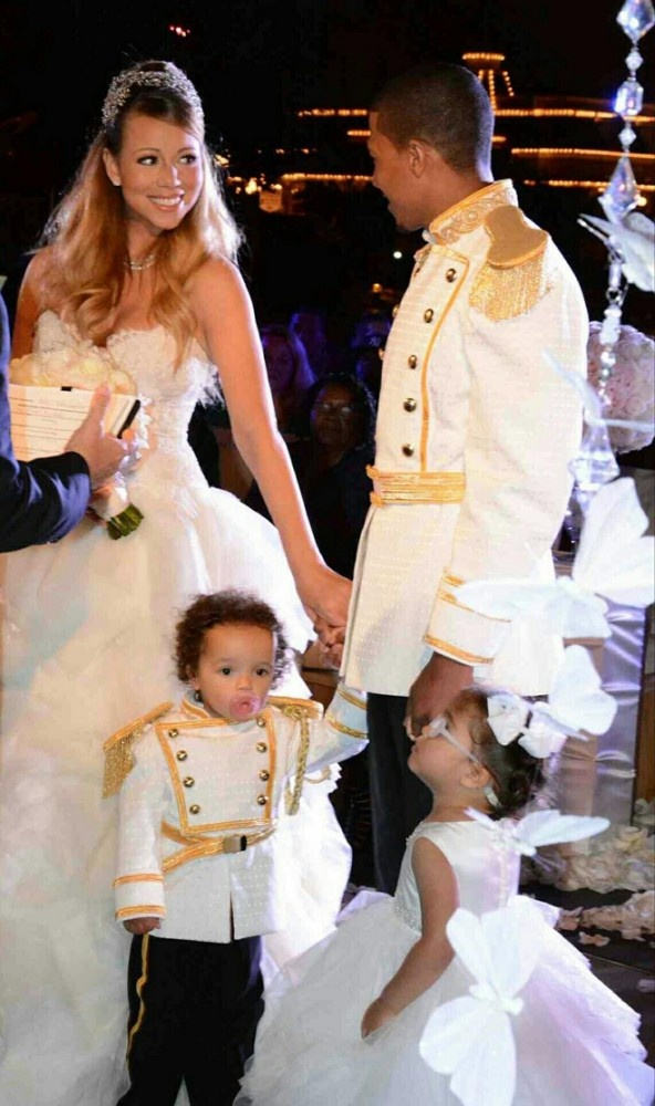 Mariah Carey & Nick Cannon renew their vows with their children at Disneyland  2013  (wed 2008)