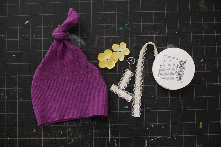 Upcycled newborn hats and headbands from old sweaters - awesome tutorial from Corina Nielsen!