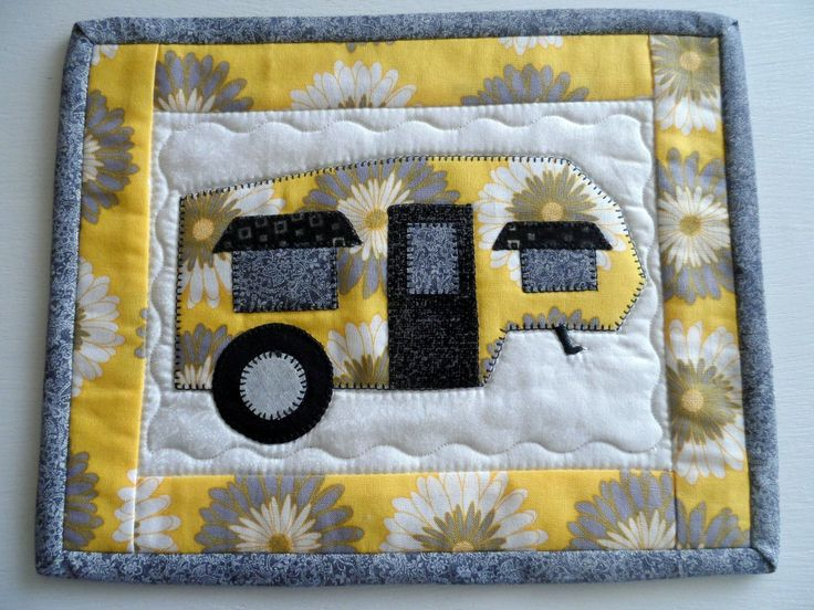 Quilted mug rug, retro travel trailer snack mat, vintage camper, 5th wheel, applique trailer mini placemat, glamping decor, quiltsy handmade by SusansPassion on Etsy #vintagetraveltrailers