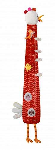 Lilliputiens Groeimeetlat Boerderij kip Ophelie - Deze stoffen meetlat kan de groei van de kindjes bijhouden. Twee fotohoesjes onderaan de meetlat beschermen de foto's van de trotse eigenaar. De vos en het kuikentje volgen de groei van het kindje. Vier verjaardagstaarten met 1 tot 4 kaarsje dienen als geheugensteuntje. Afmetingen: 120cm x 13cm