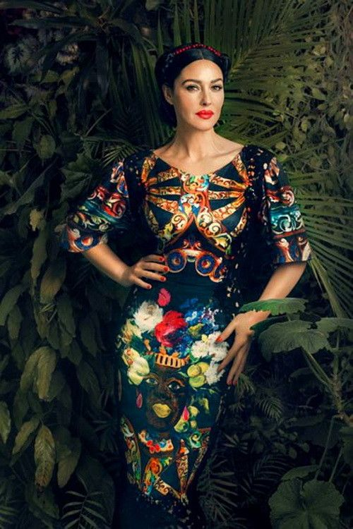 Monica Bellucci in Dolce and Gabbana. Simply Gorgeous! And she's is really beautiful!!