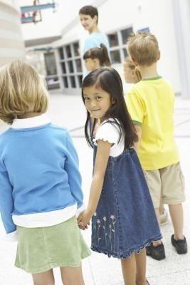 Quiet Cooperation Games for Kindergarten the 1st Grade