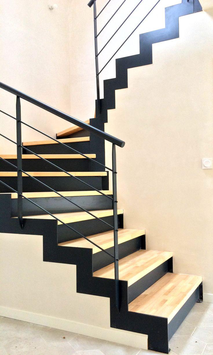 Escalier métallique contemporain - demi-tournant - Décoration intérieure - Art Métal Concept Quimper - http://artmetalconcept.e-monsite.com/album/escaliers/