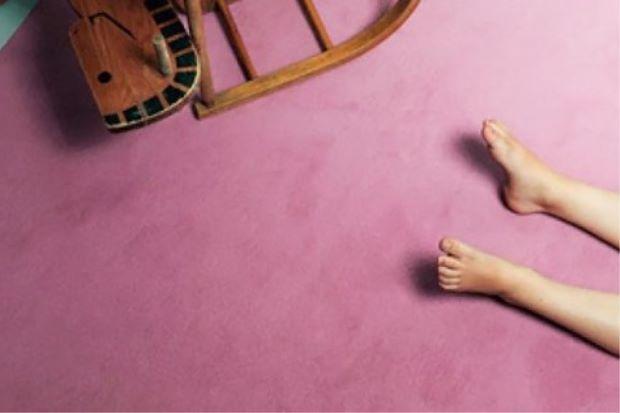 Demi RM20 suami 69 tahun sanggup paksa isteri 63 tahun bersetubuh dengan kawan sendiri   ALOR SETAR: Seorang wanita berusia 63 tahun mendakwa dipaksa melacurkan diri sebanyak dua kali oleh suaminya yang berusia 69 tahun dengan bayaran RM20.  Ketua Polis Daerah Padang Terap Deputi Supritendan Ahmad Nasir Jaafar berkata wanita itu dipaksa untuk melakukan hubungan seks dengan rakan suaminya berumur 61 pada 21 Mac dan 2 April di Padang Sanai.  Wanita tersebut memberitahu suaminya telah menerima…