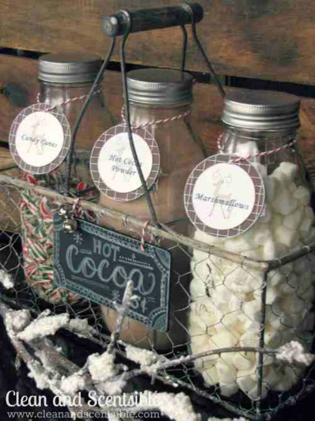 Christmas Gifts for Family and Friends! Hot Cocoa Bar Kit   http://diyready.com/60-cute-and-easy-diy-gifts-in-a-jar-christmas-gift-ideas/