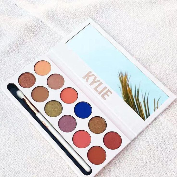 Kylie Jenner 12 Colors Eyeshadow The Royal Peach Palette with Pen Cosmetics