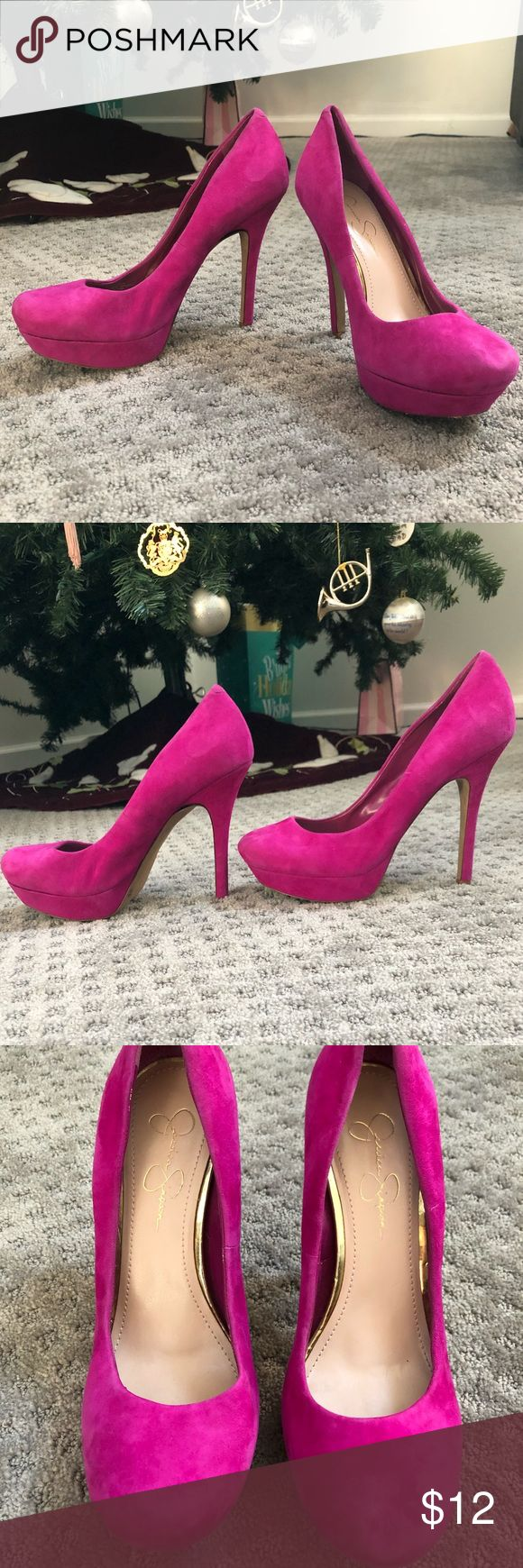 Pink Jessica Simpson Stilettos EUC pink pumps from Jessica Simpson. Size 9.5 and fits true to size! Extremely comfortable thanks to the one inch platform, but add a lot of height for someone who is already tall. Very minor signs of wear inside and on the left tip of the toe. Jessica Simpson Shoes Heels
