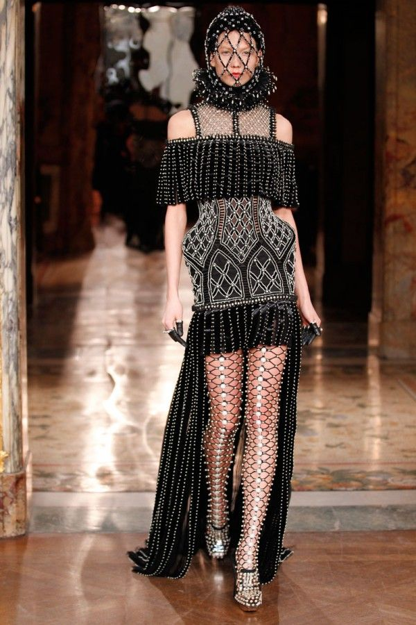 Fall Fashion 2013 Black and White Alexander McQueen