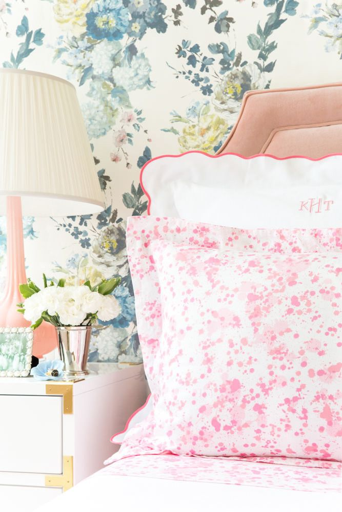 Makers of unique bedding duvets, sheets and linens with classic prints and a modern edge. Explore our american-made bedding, custom designer pillows and decor.