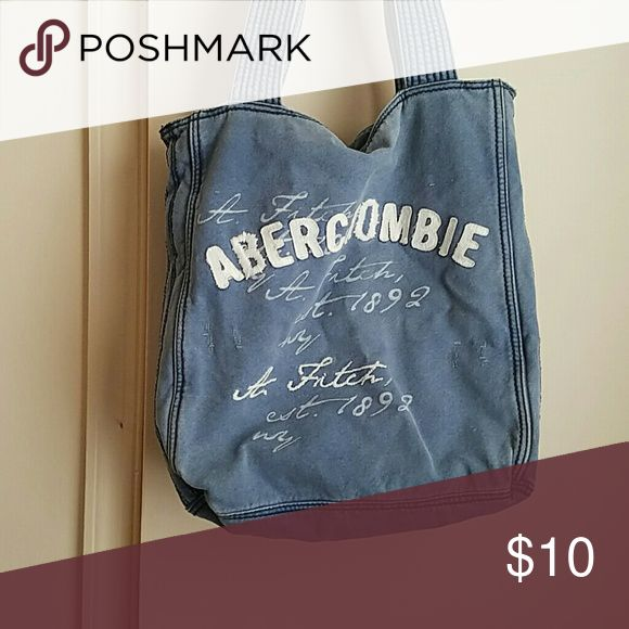 ~~~~SALE!!~~~~      Abercrombie and Fitch purse Navy blue Abercrombie and Fitch purse great to use as a beach bag Abercrombie & Fitch Bags Shoulder Bags