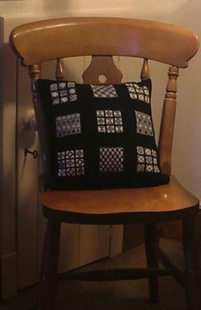 Ravelry: Sanquhar S&ler Cushion free pattern by Judy Furlong & 54 best Knitted Cushion Patterns images on Pinterest | Cushion ... pillowsntoast.com