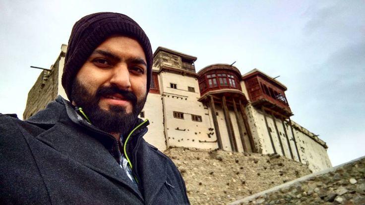 Baltit Fort is an ancient fort in the Hunza valley in Gilgit-Baltistan, Pakistan. Founded in the 1st CE, it has been on the UNESCO World Heritage Tentative list since 2004. ���� #travelingram #travelling #Pakistan #karakoram #beautifulPakistan #mountains #road #igtravel #cntraveler #natgeotravel #etribune #wanderer #fernweh #beautifuldestinations #travelbeautifulpakistan #travel #instatravel #photography #roadtrip #wanderlustpakistan #landscape #dawndotcom #letsgotopakistan #photogram…
