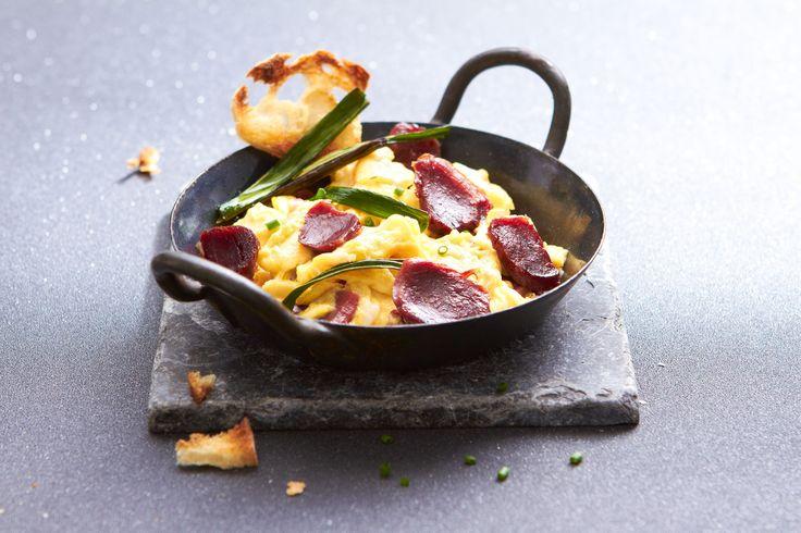 #Oeufs brouillés aux #gésiers de #canard, croustillants d'#oignons. #Recette et #astuces de nos #chefs sur www.feyel.com