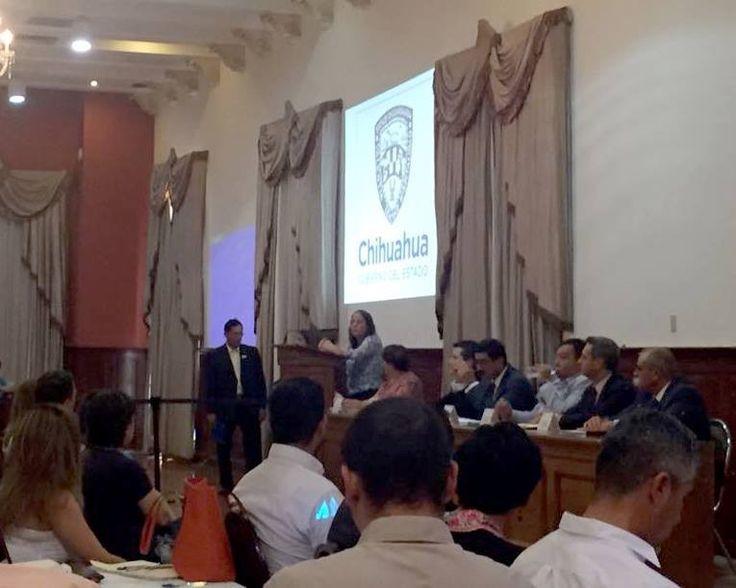 <p>Chihuahua, Chih.- Integrantes de organizaciones de la sociedad civil, periodistas, autoridades federales y estatales se reunieron ayer en la primera mesa