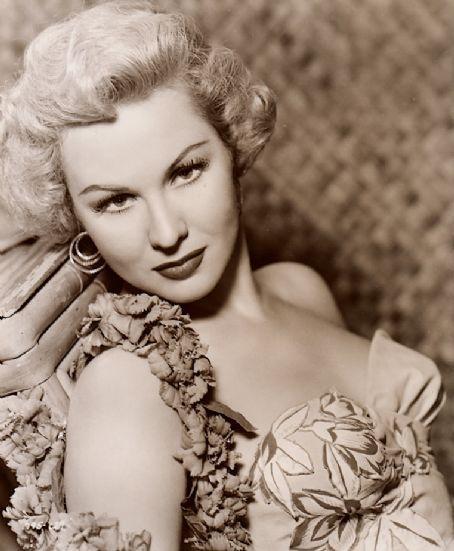 Virginia Mayo Beautiful 40s 50s Actress Celebrities