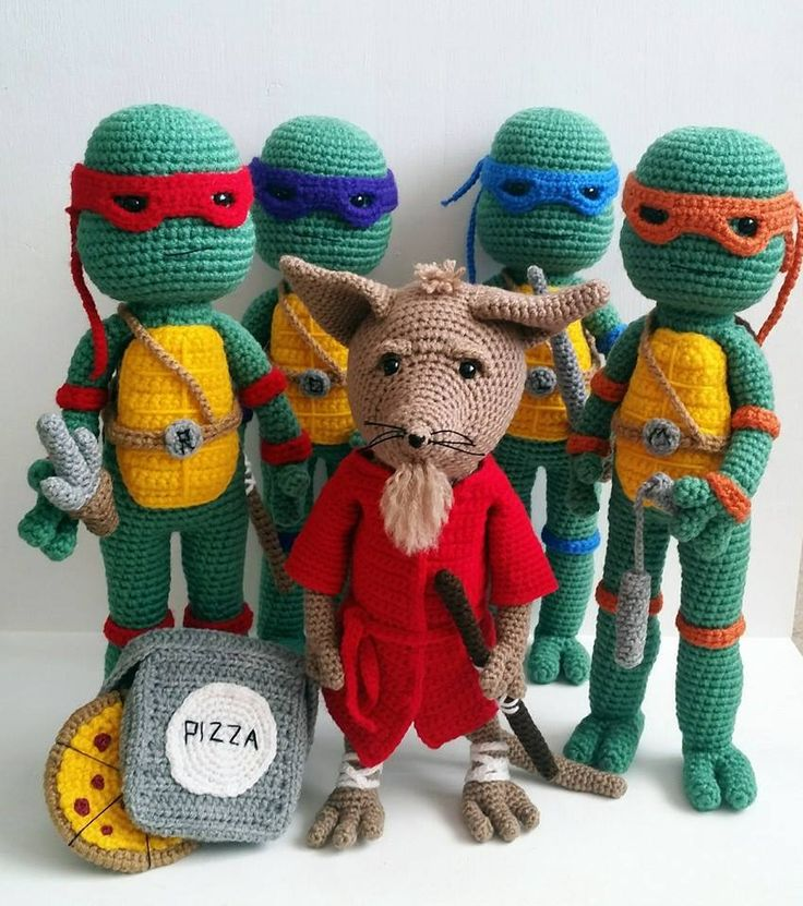 A[mi]dorable Crochet: Splinter - Free Crochet Pattern. The Teenage Mutant Ninja Turtles free pattern (with pizza) is here: http://www.amidorablecrochet.ca/2016/03/turtle-pattern.html#.VxZJqEwrKUk