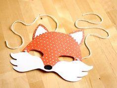 ¿Quieres entretener a los más pequeños y aprender a realizar una manualidad de carnaval para niños. Quédate y aprende a hacer la máscara del zorro.