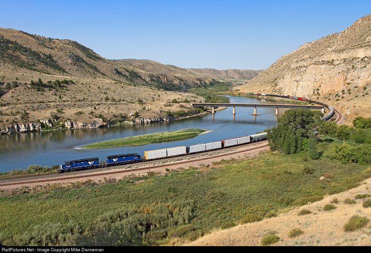 RailPictures.Net Photo: MRL 252 Montana Rail Link EMD SD40-2XR at Lombard, Montana by Mike Danneman