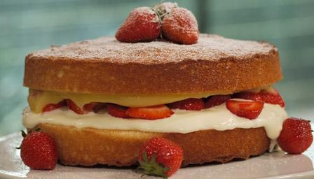 Lemon and strawberry Victoria sponge