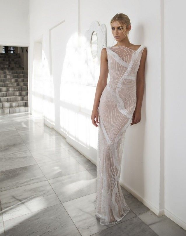 Свадебное платье с полупрозрачным верхом