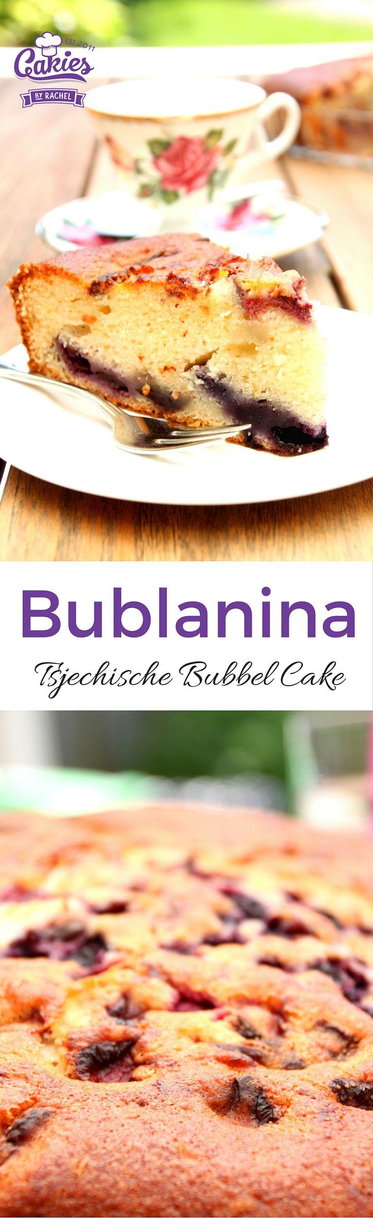 Een makkelijk, één kom recept voor Bublanina, een Tsjechische Bubbel Cake. Deze cake is luchtig en heel makkelijk om te maken.