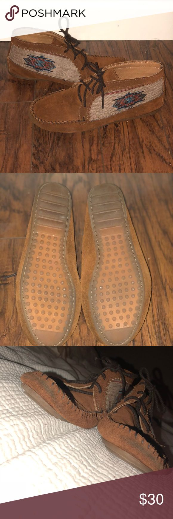 Minnetonka Moccasin Ankle Boot Good condition. Just minor scuffs on the front of the shoe Minnetonka Shoes Moccasins