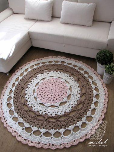 Crochet mandala rug -  meskok.design http://meskok.hu/termekek/horgolt/napraforgo-viragos-szonyeg/
