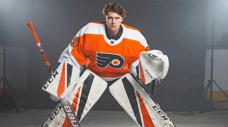 Philadelphia Flyers Carter Hart Nhl Philadelphia Flyers Hockey Flyers Players Flyers Hockey