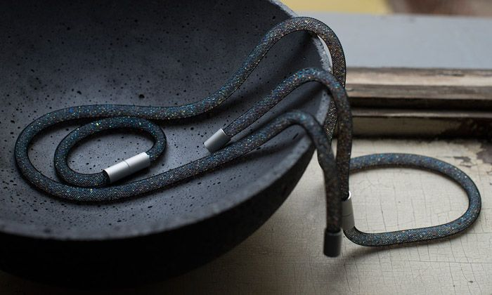 Adéla Pečlová tvoří ručně minimalistické šperky