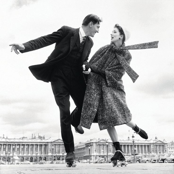 Fashion photo by Richard Avedon (The female model might be Suzy Parker)