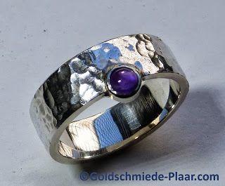 Silber-Ring mit #Amethyst und #Hammerschlag