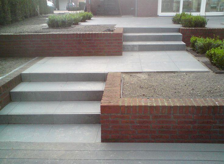 17 beste idee n over tuin trappen op pinterest buiten trapladder stenen treden en buiten trappen - Decoratie van trappenhuis ...