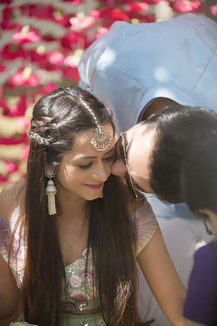 Mehendi - Bridal Maang Tikka and Earrings and Braided Half Open Hairstyle - Kresha Bajaj and Vanraj Zaveri Wedding