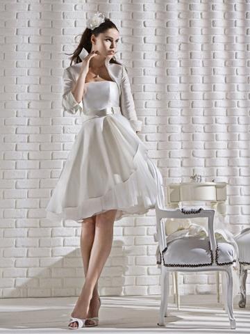 Abito da sposa corto by Gritti Spose, modello Cristina  www.matrimonio.it/collezioni/abiti_da_sposa/gritti_spose/936/35__zoom?v=0#