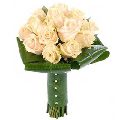 """Букет состоит из 15 роз """"Талея"""" и 5 рускусов  http://www.dostavka-tsvetov.com/shop/343/desc/buket-1"""