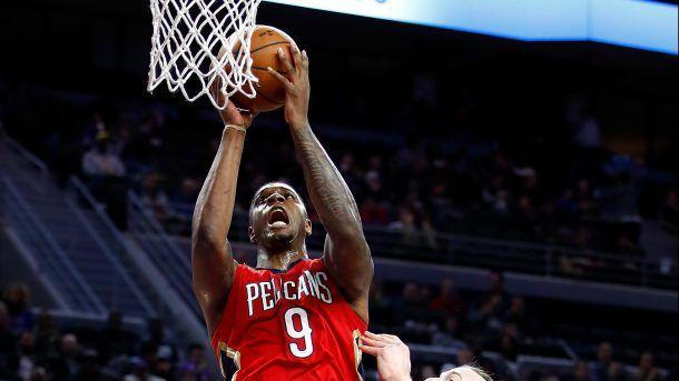 #NBA     Bucks waive Terrence Jones, reportedly to sign Gary PaytonII