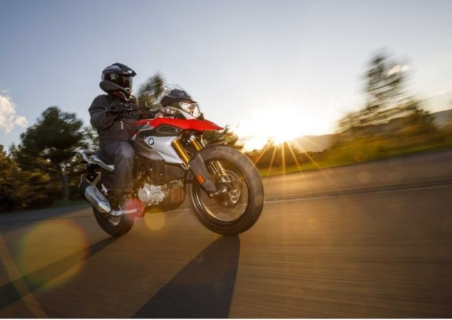 Duas Rodas: BMW G 310 GS chega no 1º semestre de 2018 Mini aventureira da marca será fabricada no Brasil e usa o mesmo motor monocilíndrico da street G 310 R A BMW Motorrad do Brasil anunciou que a…
