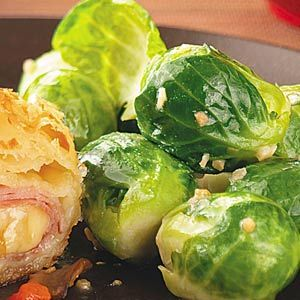 Lemony Brussels Sprouts - brussels sprouts, lemon juice, salt, pepper, butter, minced garlic cloves,  - Strict Candida Diet