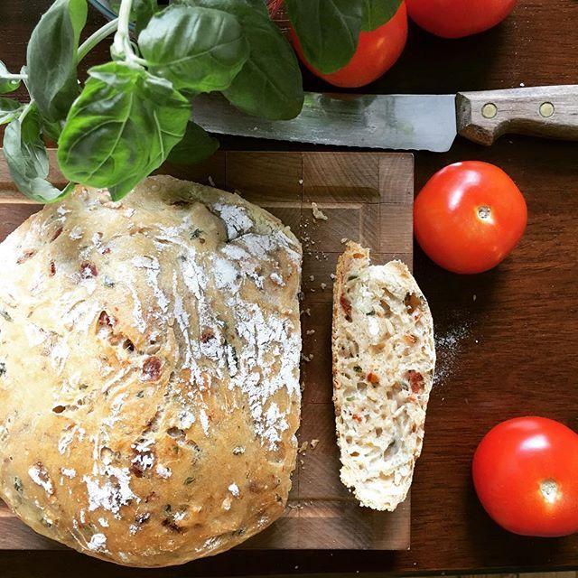 #leivojakoristele #mitäikinäleivotkin #kuivahiiva Kiitos @pullasutinaa