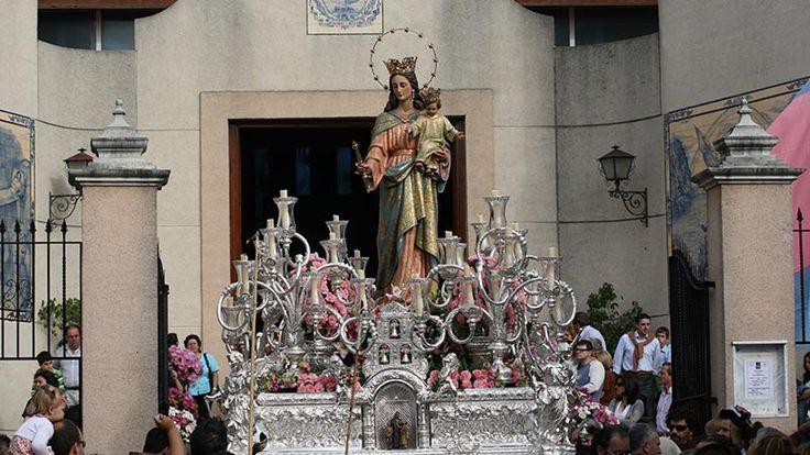 Esta tarde procesionará María Auxiliadora desde el Colegio Salesiano Manuel Lora Tamayo