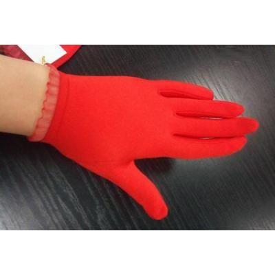 Перчатки детские красные (на все пальчики)