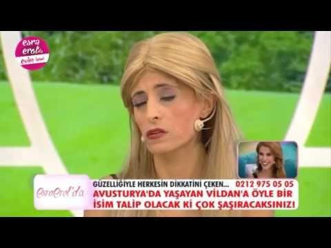 """Türkiye'nin en sevilen programı """"Esra Erol'da"""" atv'de hafta içi her gün karşınızda.  Aşka dair umutlarımızı her daim yeşerten Türkiye'nin en sevilen programı """"Esra Erol'da"""" atv'de hafta içi her gün karşınızda. Bugüne kadar yüzlerce mutlu yuvanın kurulmasına vesile olan ve 9 sezondur ekranlarda yerini alan Esra Erol gelin ve damat adaylarıyla bu programda buluşuyor. Yine en çok izlenen evlilik programı olmayı başararak ekranda fırtınalar estiriyor. """"Esra Erol'da"""" hafta içi her gün atv'de…"""