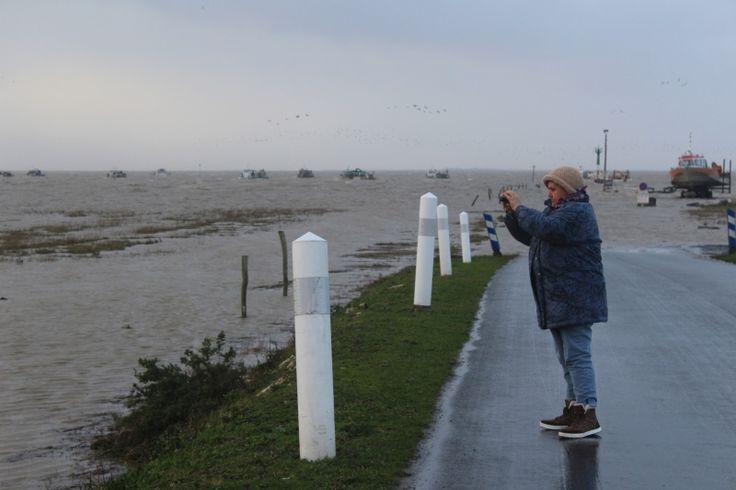 Vagues et vent violent en Charente-Maritime : retour en photos et vidéos - SudOuest.fr